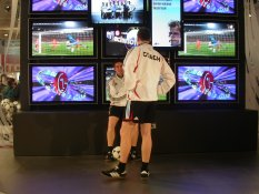Football players at CeBIT